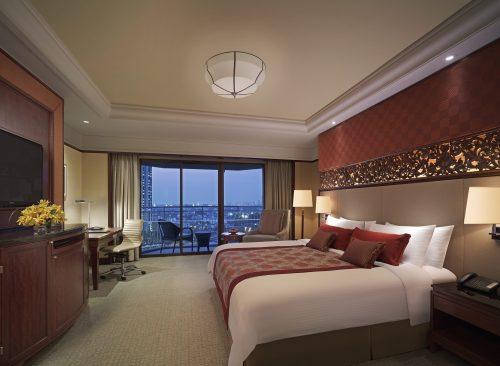 02. Deluxue Balcony Room_Shangri-La Hotel, Bangkok